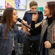 """LIVE: Nicole Cherry și Oana Sârbu cântă """"Ani de liceu"""" și """"Dragostea bunicilor"""" (FOTO și VIDEO)"""