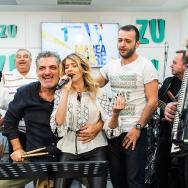 """LIVE: Lidia Buble și Damian & Brothers cântă """"Viață trecătoare""""  (FOTO și VIDEO)"""