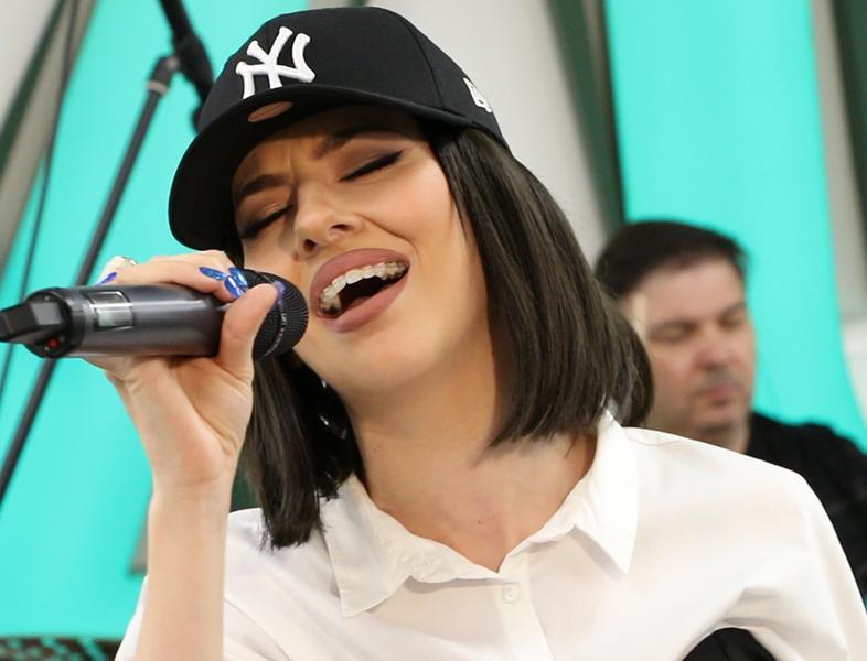 """LIVE: Lidia Buble cântă """"Cămașa"""" pentru prima oară"""