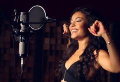 Mandinga transformă un hit de la Sia într-o super piesă salsa