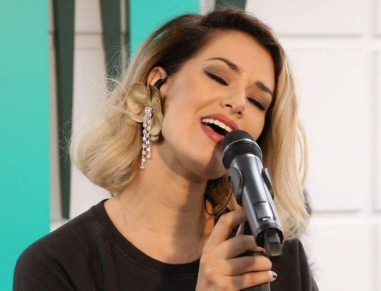 """LIVE: Feli a cântat în premieră """"Acasă"""", la Morning ZU"""