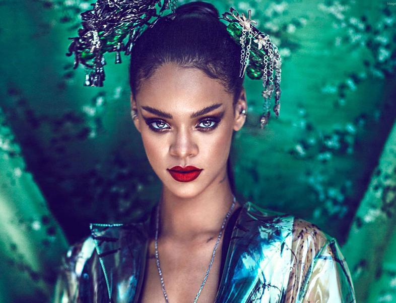 VIDEO: Rihanna își va lansa propriul brand de produse cosmetice