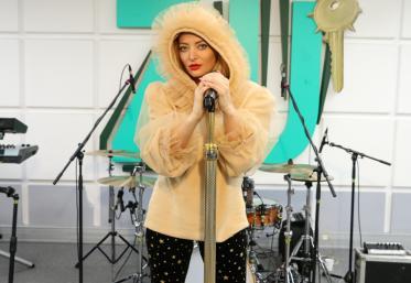 """LIVE: Delia a cântat """"Fata lu' tata"""" la Morning ZU"""