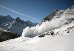 Riscul de producere a avalanșelor în Bucegi și Făgăraș rămâne ridicat