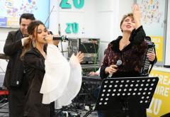 """Marea Unire ZU 2017: Mira și Adriana Antoni au cântat """"Dorul de copilărie"""""""