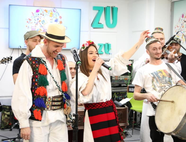 """Marea Unire ZU 2017: Taraful Rutenilor și Carmen Chindriș au cântat """"Când m-o făcut mama în lume"""""""