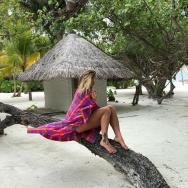 """Pe ce plaje exotice au """"cântat"""" artiștii în prima lună din an?"""
