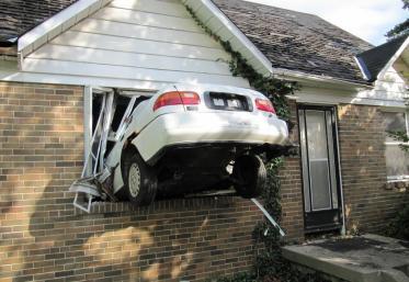 BăEștiNebun: Cum a ajuns cu mașina acolo?