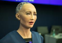 Robotul Sophia vine la București