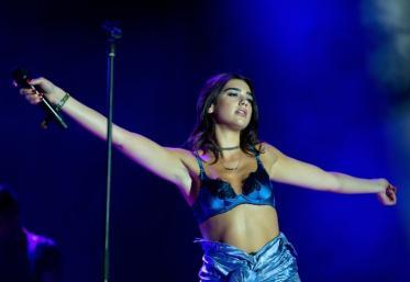 Bă ești nebun: Tu ai văzut-o pe Dua Lipa cum dansează?