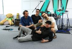 """Premieră LIVE: GUZ cântă """"Iubesc maniacal"""" în Morning ZU"""