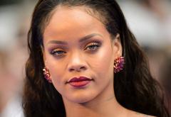 ZUper poze cu Rihanna alături de părinții ei. Cum ți se par?