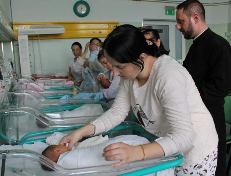 Fără internări la maternitatea Giulești
