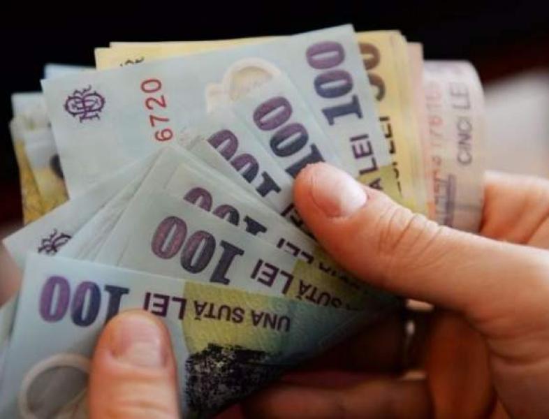 Salariul minim crește de la 1 ianuarie