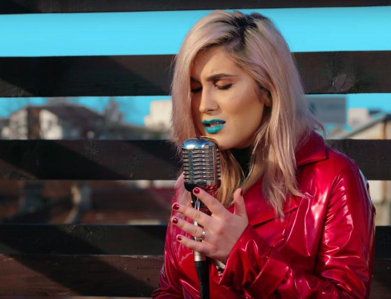 Adda scrie piese de dragoste pentru fanii ei în prag de Valentine´s Day