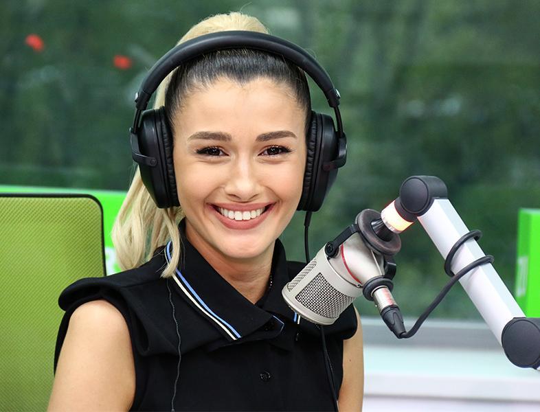 """Alina Eremia cântă """"De sticlă"""" LIVE în Morning ZU"""