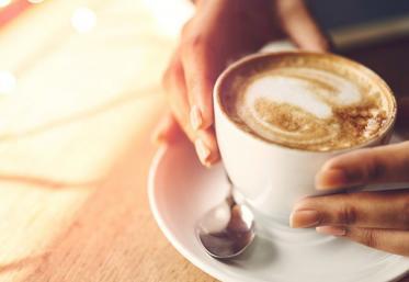 """Flick Domnul Rimă recită poezia """"Am fost cafeaua ta"""""""