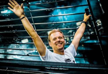 """Armin van Buuren a dezvăluit titlul, data lansării și tracklist-ul noului album, """"Balance"""""""