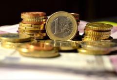 Euro crește la un nivel record