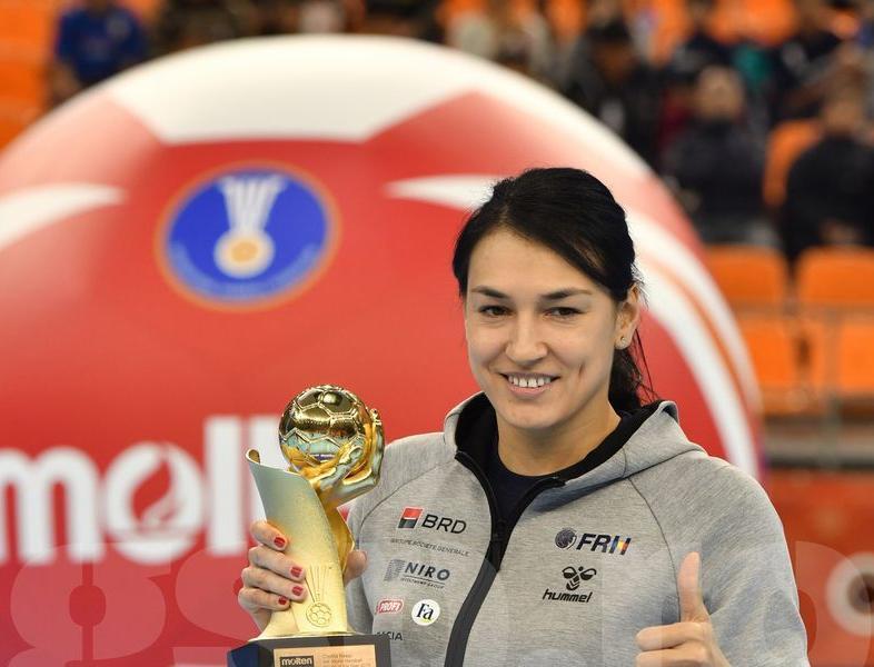 Cristina Neagu a primit Balonul de Aur în Japonia