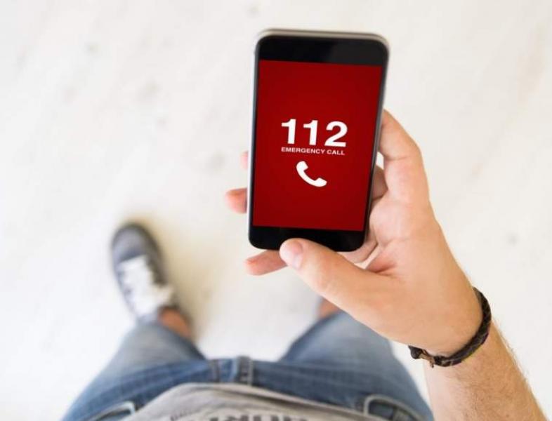 Aproape jumătate dintre apelurile la 112 sunt alarme false sau reclamații fără justificare