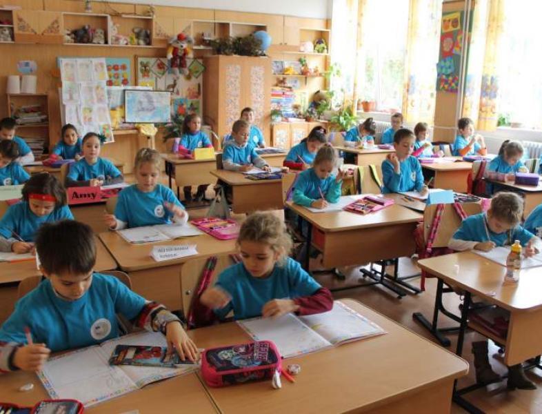 Distribuirea elevilor în clasa pregătitoare se face doar în ordine alfabetică, în Capitală