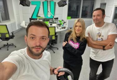 Imnul României, în direct la Radio ZU! Sute de mii de români au cântat cu Buzdu, Emma și Morar!