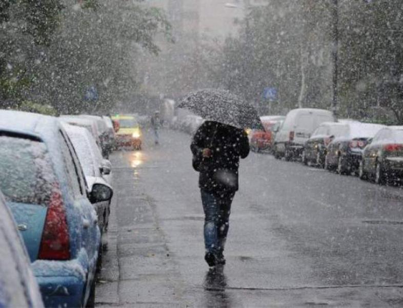 Încă un val de frig, cu ploi, lapoviță și ninsori
