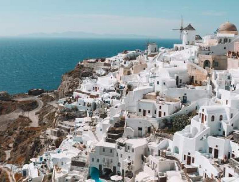 Reguli noi pentru românii care pleacă în vacanță în Grecia
