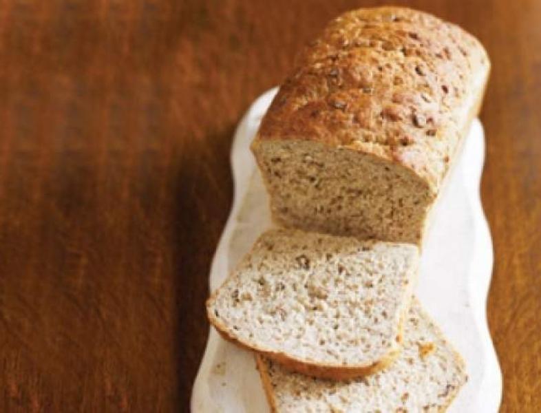 Dispare autoservirea pâinii în magazinele din România