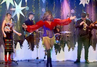 Marea Unire ZU 2020: Loredana Groza cântă muzică populară