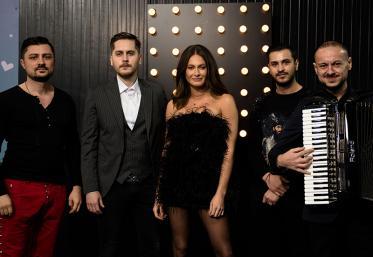 Marea Unire ZU 2020: Raluka și Proiectul Balkanic încing atmosfera cu un ZUper colaj cu muzică de petrecere