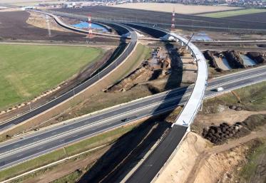 Două tronsoane de autostradă - inaugurate în două zile
