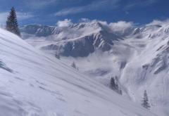 Pericol de avalanșă în Munții Făgărașului