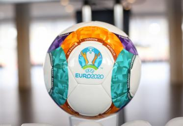 UEFA regandeste modul de organizare al EURO 2020