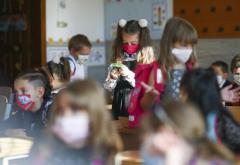 Toți elevii se vor putea întoarce, fizic, la școală, imediat după ce rata de infectare cu COVID din localitatea lor scade sub 1 la mie