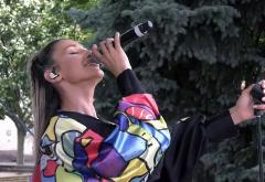 """Alina Eremia a cântat live pe scena """"Mișcarea ZU. Mișcarea pentru Mișcare"""""""
