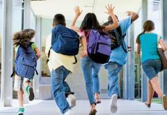 Elevii se întorc în bănci pe 13 septembrie, în format fizic