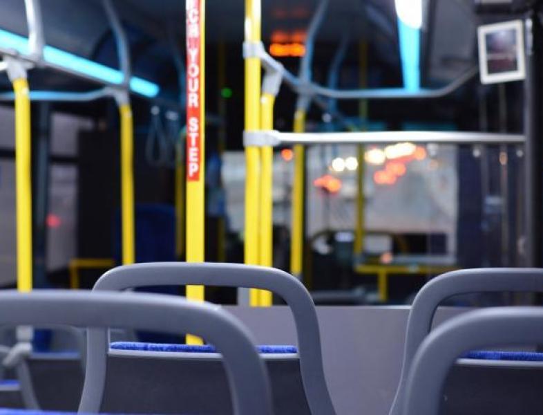 Elevii din învățământul primar vor beneficia de transport gratuit la școală anul viitor