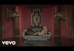 Shakira - Chantaje (ft. Maluma) | LYRIC VIDEO