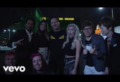 Tiësto - On My Way (ft. Bright Sparks) | VIDEOCLIP