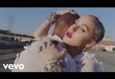 Brooke Candy ft. Sia - Living Out Loud | VIDEOCLIP