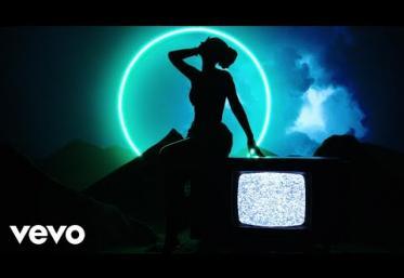 Iggy Azalea - Savior ft. Quavo | LYRIC VIDEO