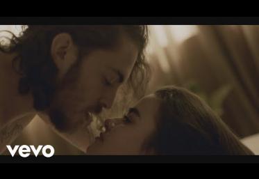 Dennis Lloyd - Never Go Back | videoclip