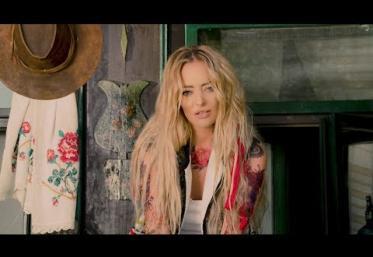 Delia - Vreau La Tara | videoclip