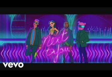 Becky G, Digital Farm Animals ft. Rvssian, Davido - Next To You Part II | videoclip
