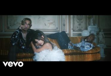 Ariana Grande, Social House - Boyfriend | videoclip