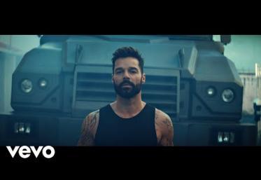 Ricky Martin - Tiburones   videoclip