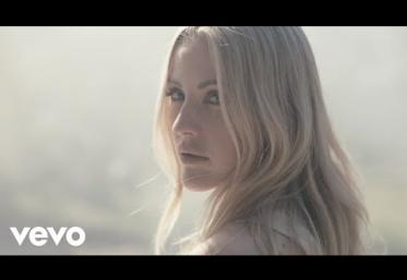Ellie Goulding, blackbear - Worry About Me | videoclip