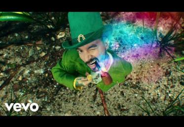 J. Balvin, Sky - Verde   videoclip